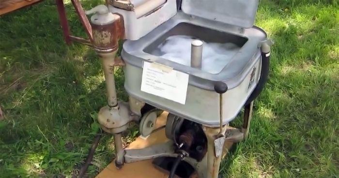 Gas powered washing machine
