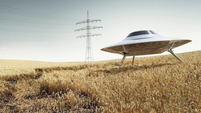 Are ETs in UFOs creating crop circles?