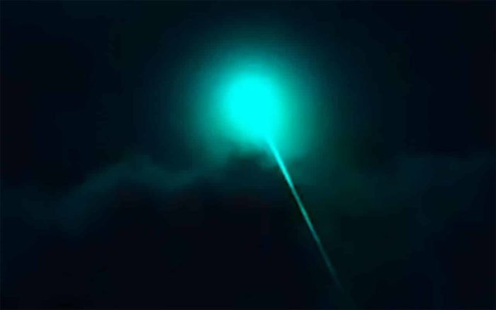UFO with beam.