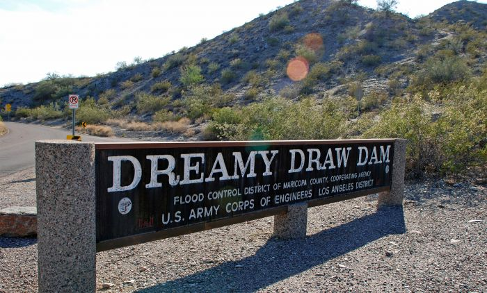 Dreamy Drew Dam sign and surroundings.
