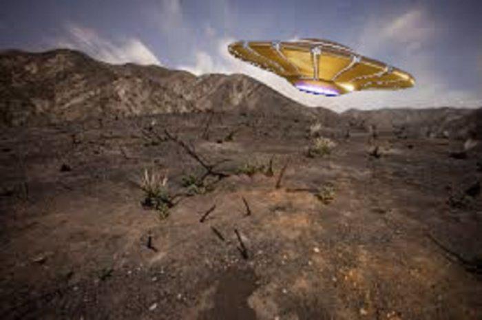 A superimposed UFO over the Tujunga Canyon