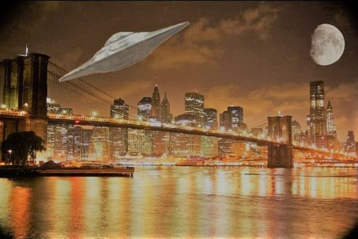 UFO Brooklyn Bridge