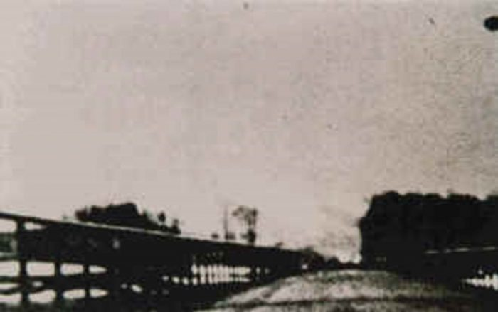 Picture claiming to show a real UFO in 1974