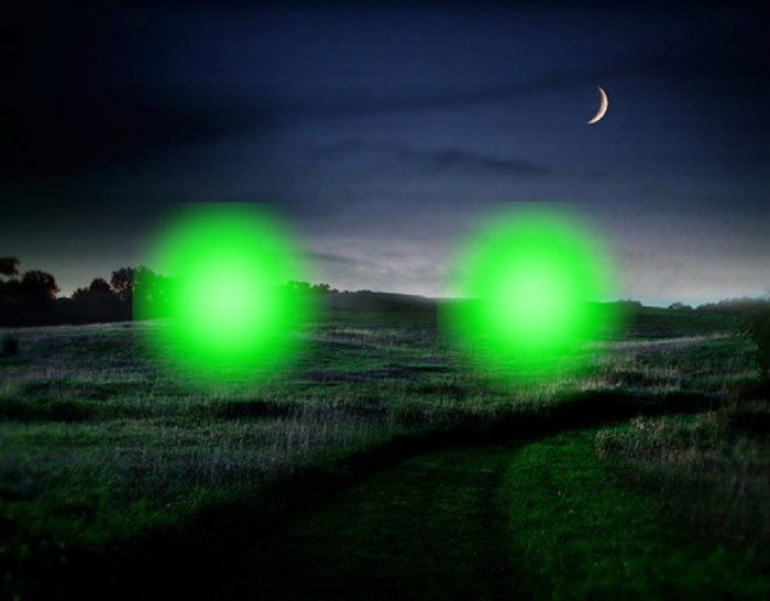 A depiction of the green lights of Trancas