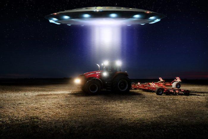 Farm Tractor UFO