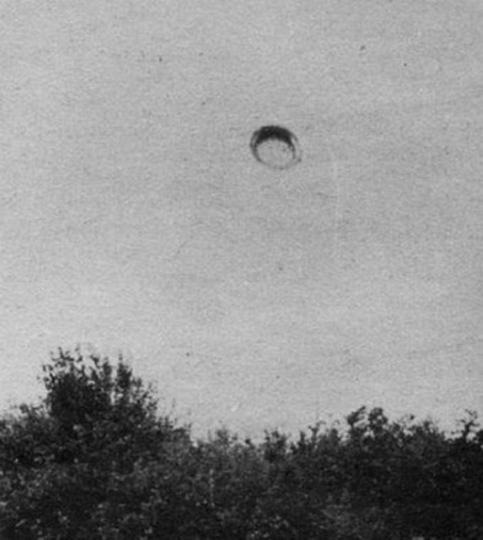 Picture of the UFO witnessed by Emil Barnea in 1968