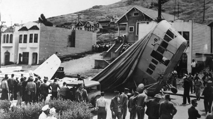 US Navy Blimp L-8 Crash