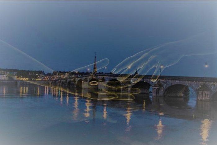 River Loire Black Hands