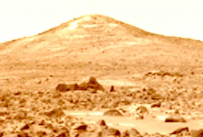 Does this picture show a Sphinx-like object on the surface of Mars?