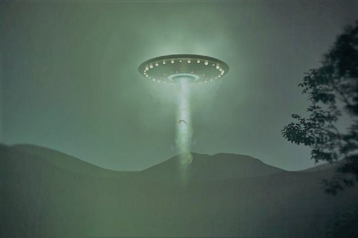 Depiction of a UFO descending in the mountains