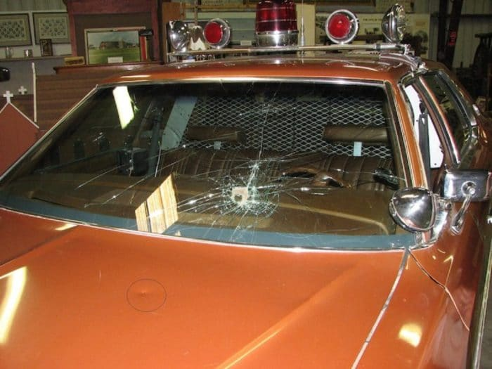 An example of the crashed windscreen