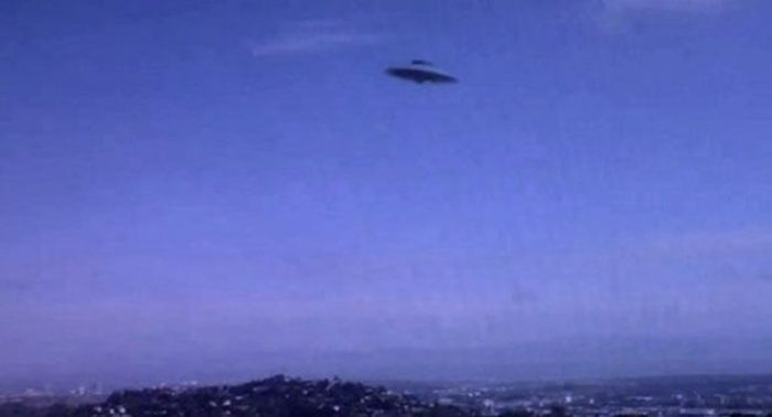 Am image of a disc-shaped UFO
