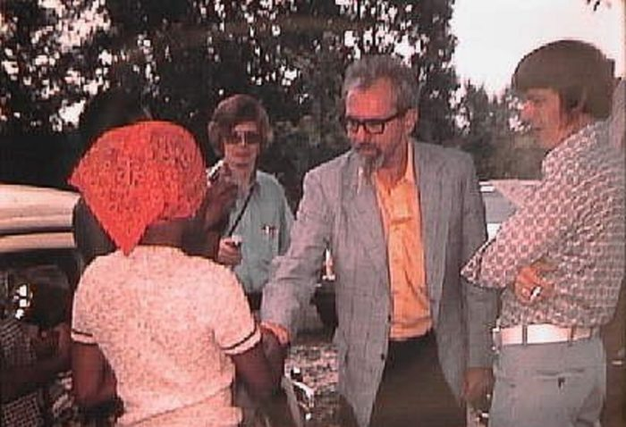 UFO investigators meeting the witnesses