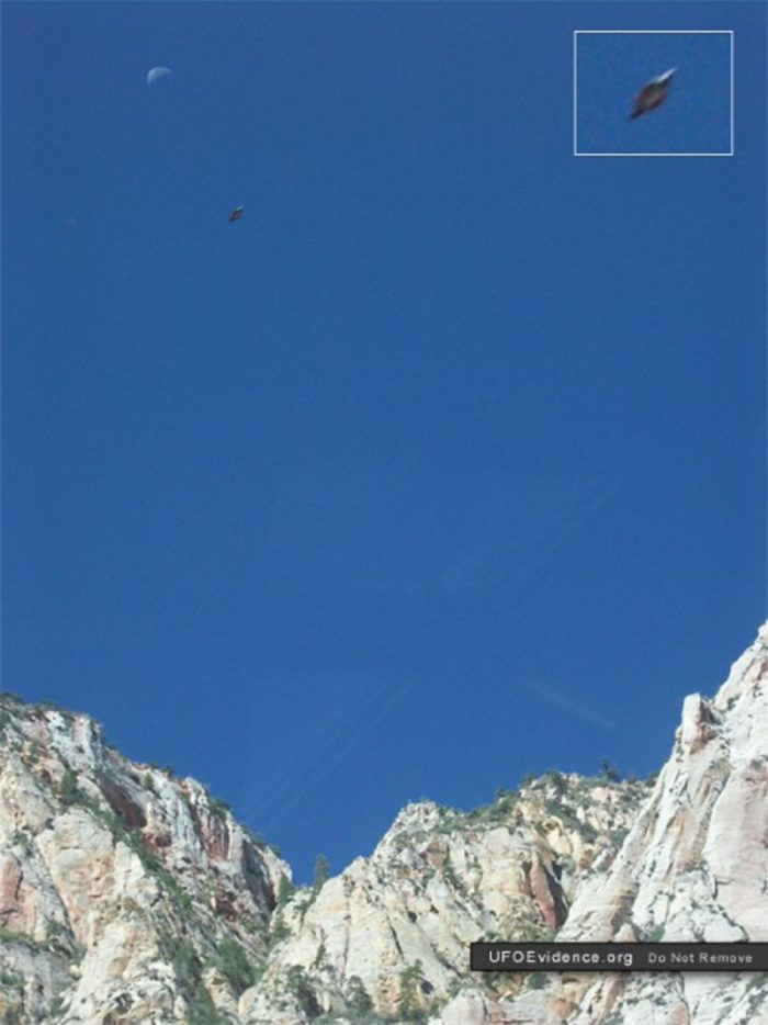 A picture claiming to show a UFO over Zion National Park