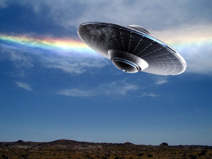 An image showing a UFO in the daytime sky