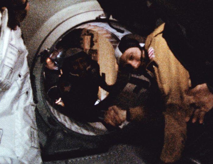 The handshake between Stafford and Leonov