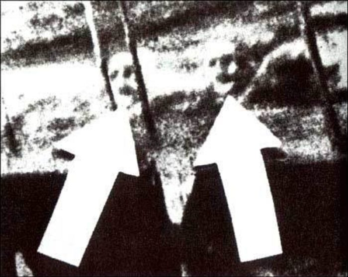 Picture claiming to show two ghosts in the water